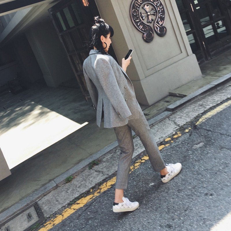 Set female 2019 spring and autumn new temperament was thin and thick double-breasted suit jacket fashion pants two-piece