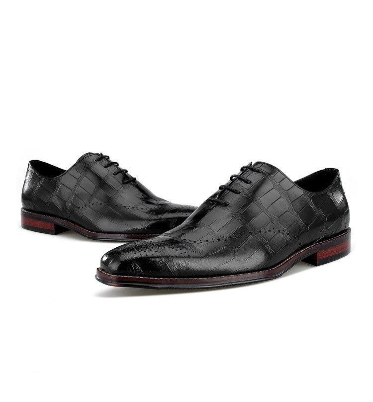 Crocodile Grain Brown / Black Wedding Groom Shoes Mens Dress Shoes Genuine Leather Oxford Business Shoes Male Social ShoesCrocodile Grain Brown / Black Wedding Groom Shoes Mens Dress Shoes Genuine Leather Oxford Business Shoes Male Social Shoes
