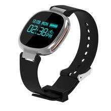 อัตราการเต้นหัวใจนาฬิกาบลูทูธสายรัดข้อมือสมาร์ทฟิตเนสติดตามว่ายน้ำกันน้ำวงสำหรับOUKITEL C3 Android IOS PK Fitbitsวง