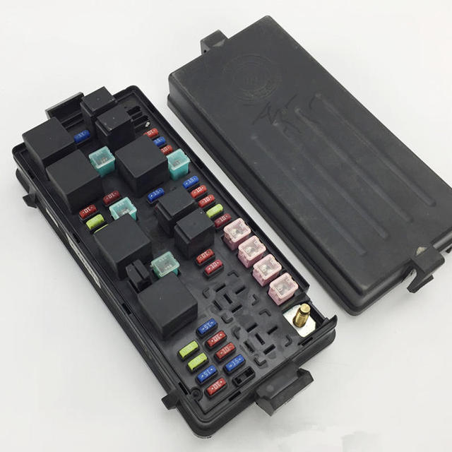 For Geely CK,CK2,CK3,Car fuse box-in Fuses from Automobiles