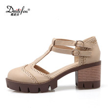 2017 New Arrivals Women Sandals Casual T-tie Fretwork Cover Toes Shoes Fashion Buckle Strap Med Heels Platform Sandals
