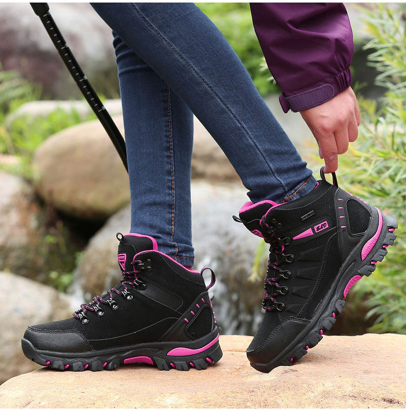 outdoor-hiking-boots-for-men-and-women (27)
