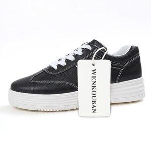 Image 5 - Zapatillas de deporte blancas para mujer, zapatos informales con plataforma, cesta para mujer con aumento de altura, punta redonda, Tenis femeninos, color negro 44