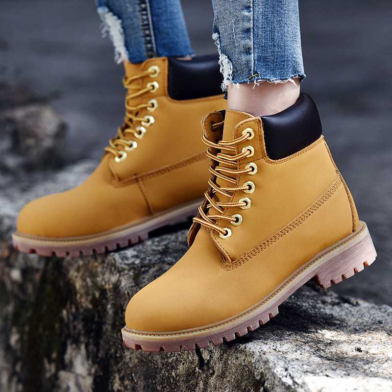 19 Winter Men Lover Boots Leather Outdoor Snow Ankle Boots Male Lace Up Anti slip Booties British Martin Shoes Zapatos De Hombre