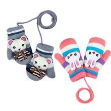 Детские теплые перчатки с милыми героями мультфильмов для девочек и мальчиков; утепленные вязаные крючком варежки с ремешком; зимние перчатки на палец; Мягкие вязаные аксессуары с героями мультфильмов