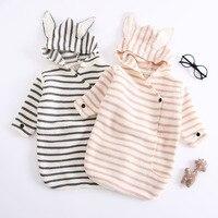 ベビーおくるみラップ暖かい編み幼児寝袋ストライプウサギの耳おくるみブランケットベビーブランケット新生児 0  6 メートル -