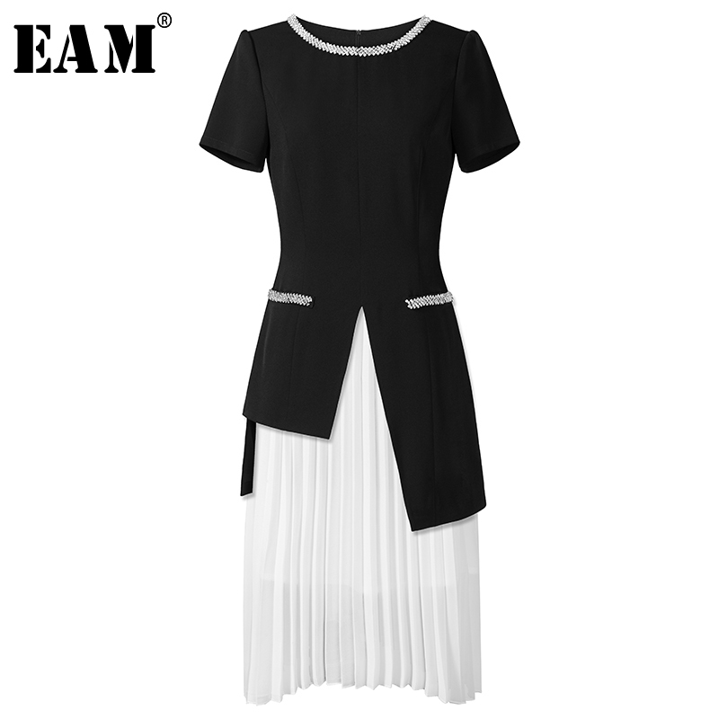 EAM 2019 New Spring Summer Round Neck Short Sleeve Black Loose Pleated Half body Skirt
