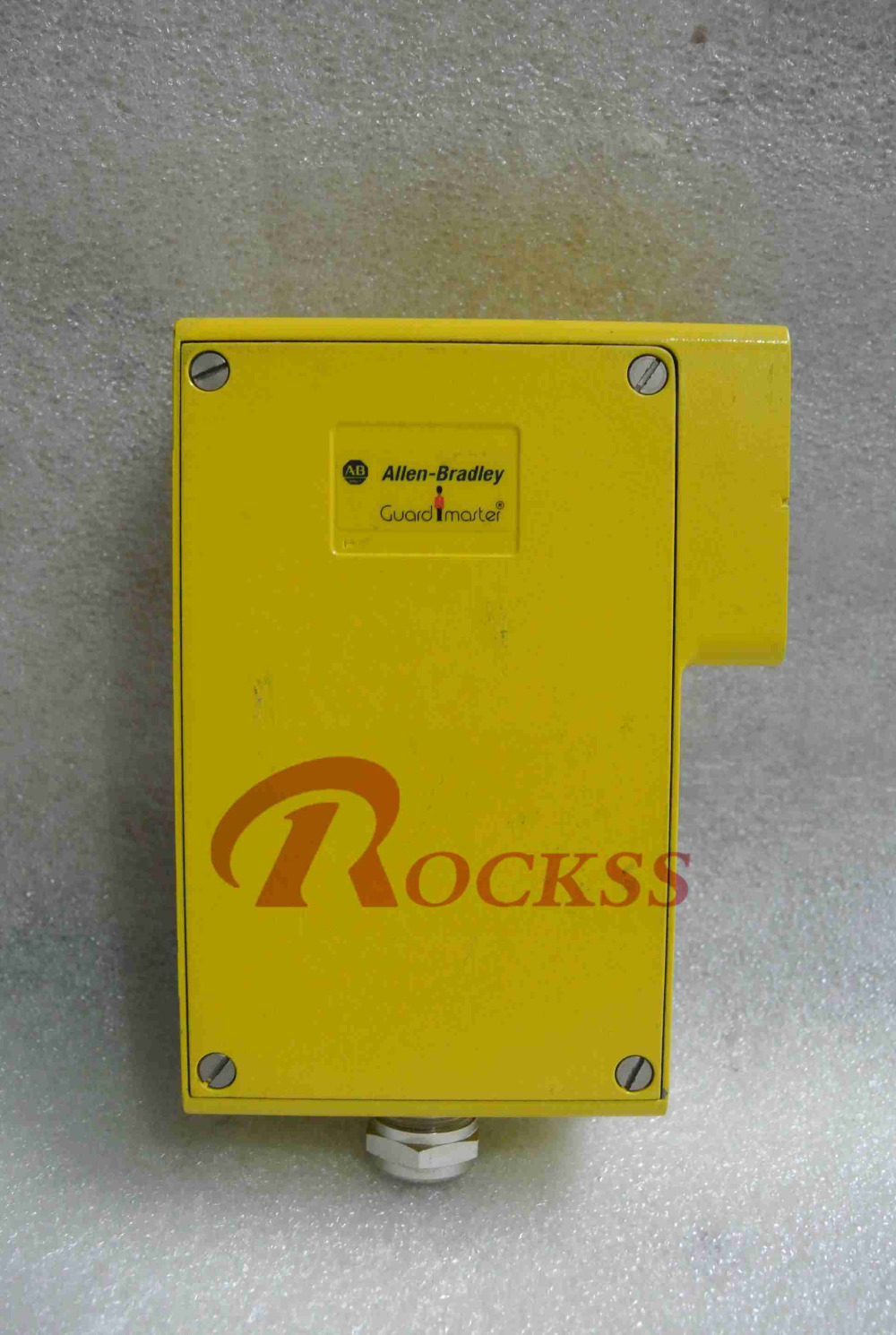 R4F1570-QA Used In Good Condition With Free DHL / EMS dhl ems 4 sets p f obt200 18gm60 e4