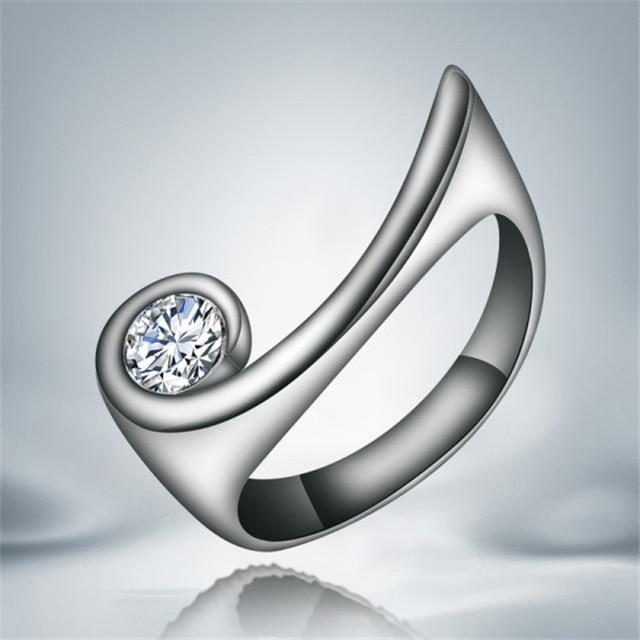 Factory Outlet anillo de dedo de plata con zircon tamaño 7 # 8 # Joyería de moda para mujer regalo de cumpleaños buena calidad Hot New Design