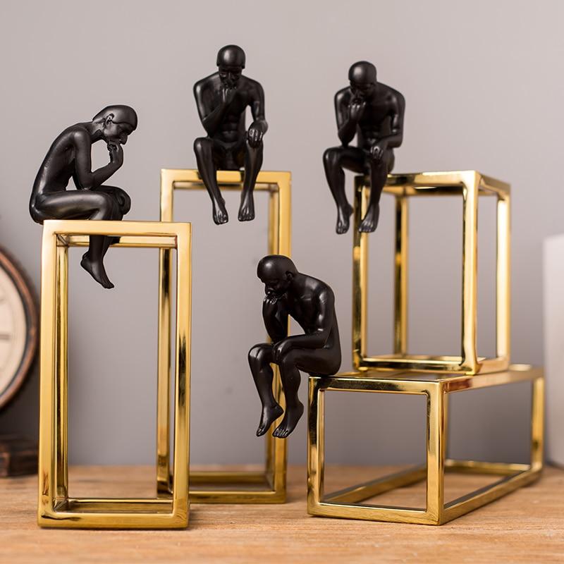 ヨーロッパとアメリカンスタイルのライト高級思想家キャラクター彫像の装飾ホームリビングルームのデスクトップワインキャビネットの装飾  グループ上の ホーム&ガーデン からの フィギュア & ミニチュア の中 1