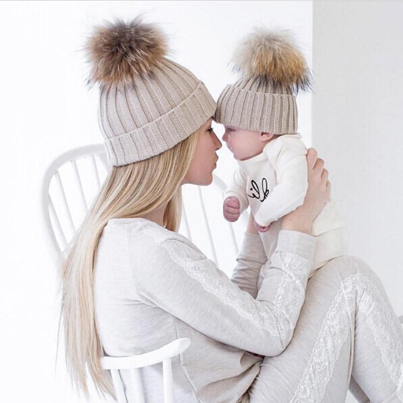A mãe eo Bebê Correspondência Malha Chapéus de Lã Quente Gorro de Crochê Chapéus de Inverno Mink PomPom Crianças dos miúdos Mamãe Headwear Hat Caps