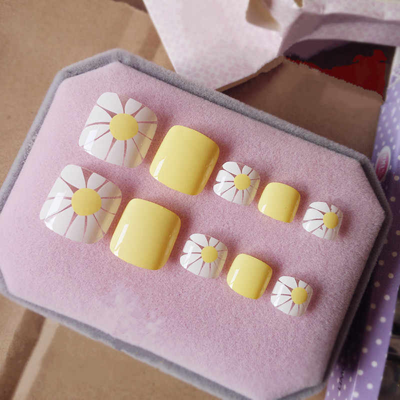 Shiny Bright Yellow False Nails White Sunflower Patterns Toe Nail Cute Lady Toenails Press On Nail 24Pcs T014