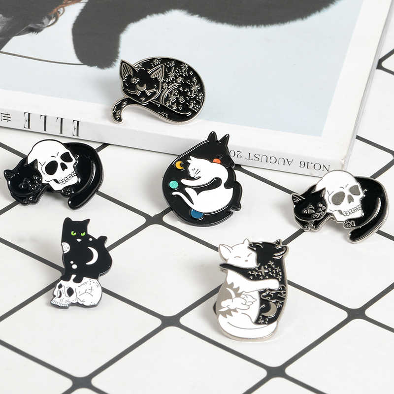 Заколки в виде ведьмы, кошки, черного и белого цвета, Инь-Ян, Луна и звезда, обнимающий кота, спящий котенок, брошь, колдовские украшения, волшебные значки на лацкане