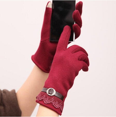 New Autumn Lace Gloves Women Winter Knit Warm Super Quality Carve Flower Decorate Red Patchwork Purple Leather Full Finger Glove