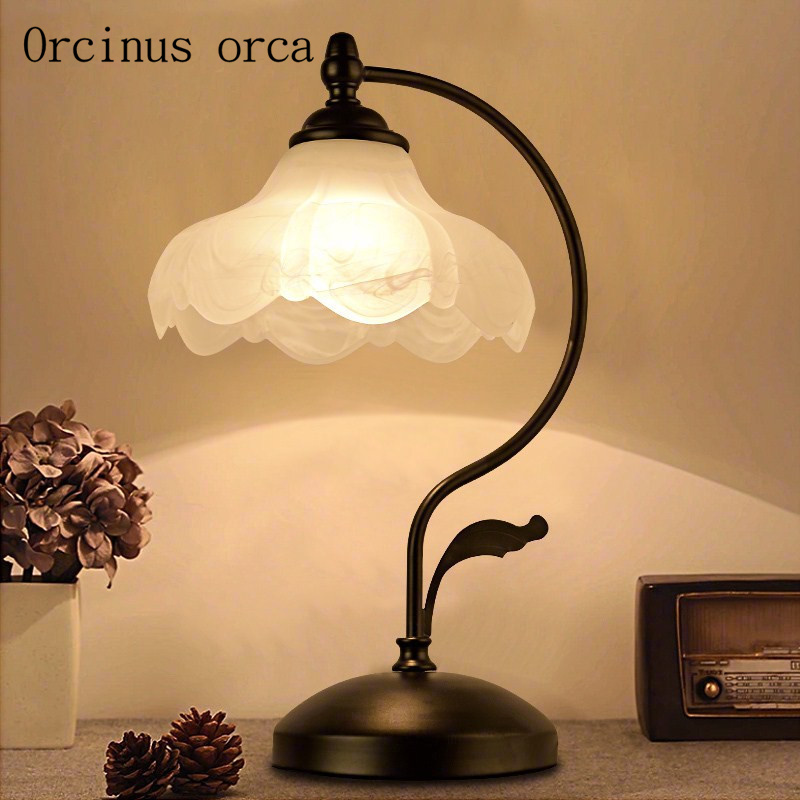 American retro lotus table lamp living room bedroom bedside lamp Chinese style retro simple clock and table lamp free shipping living room bedroom bedside table lamp american style simple style lighting modern garden lamps ta9136