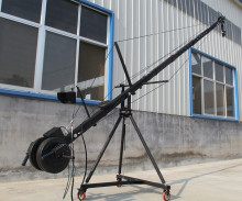 jib crane 8m 2-axis ctagon pan tilt head portable camera crane dslr  with dolly and monitor Factory supply цена и фото