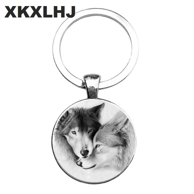 HOT! Trendy Nordic Wiccan Wolf Keychain Kovelty Animal Cool Wolf Key chain Holder Gifts For Men Keyring Jewelry