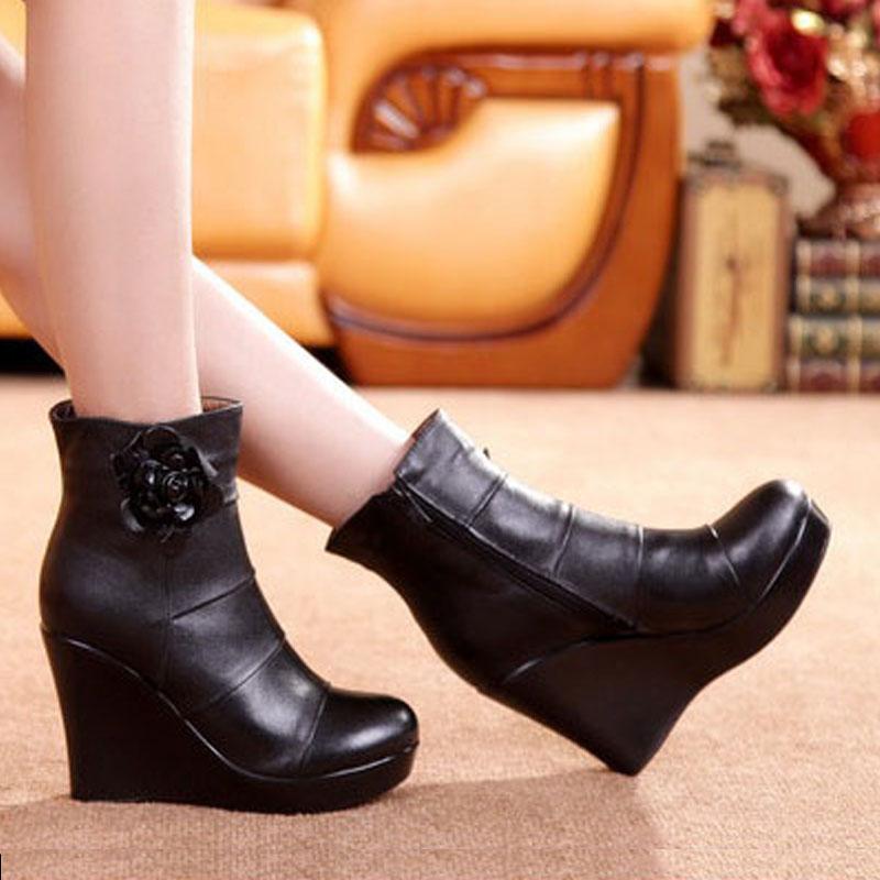 Image 3 - GKTINOO/2019 ботинки из натуральной кожи; сезон осень зима; женские ботильоны; женские ботинки на танкетке; женские ботинки; обувь на платформе-in Полусапожки from Обувь