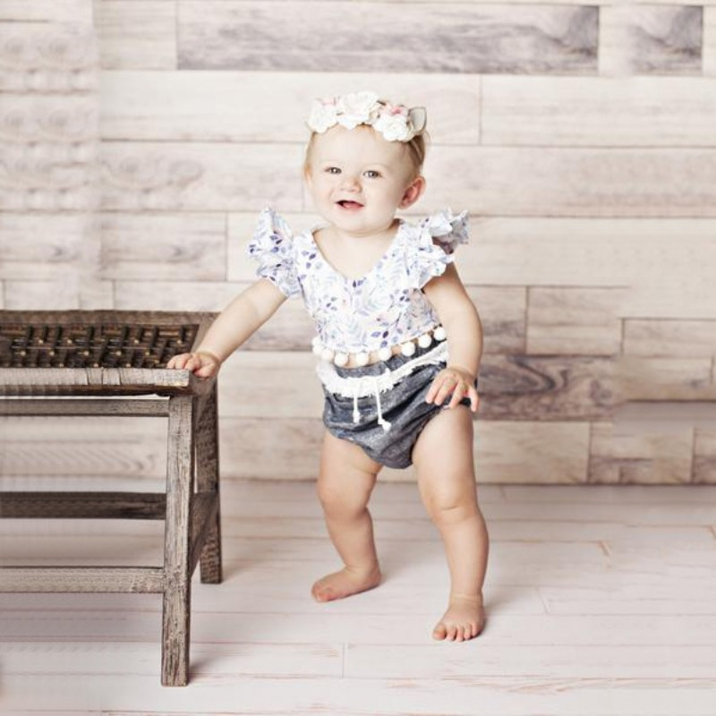 Newborn Baby Girl Clothes Set Flying Sleeve Floral Camisole Plus Gray Shorts Set Casual Sweet Comfort Princess Girls Set