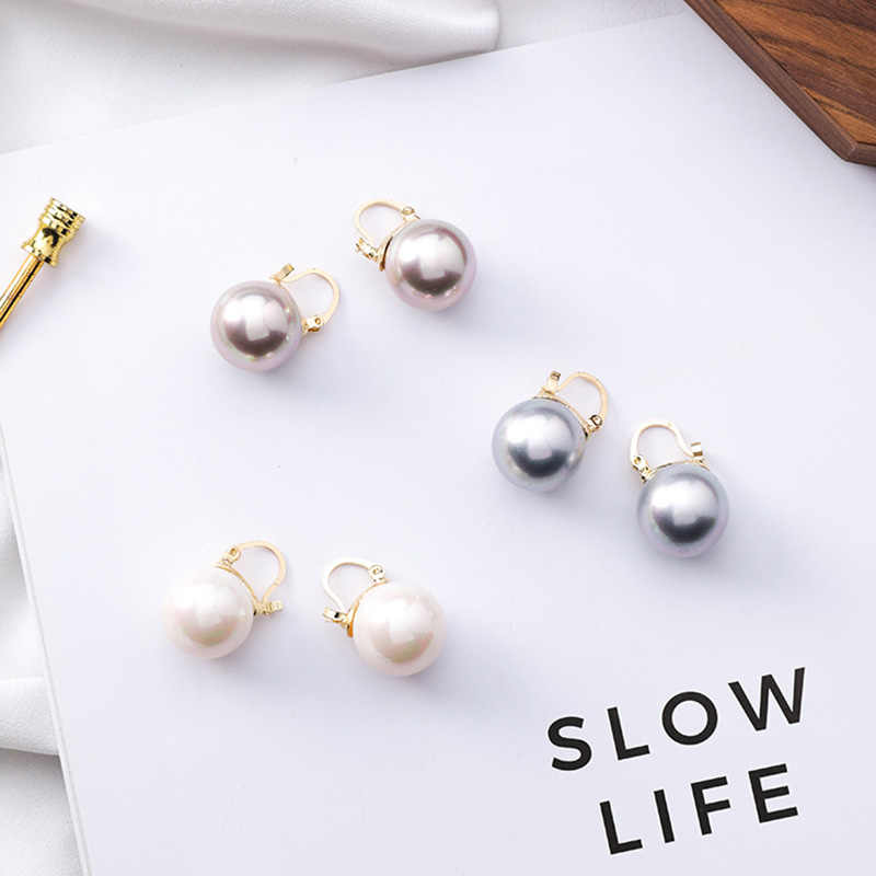 Must Have 2019 New Minimalist White Gray Champagne Small Pearl Hoop Earrings For Women Vintage Popular Mini Pearl Ball Earring