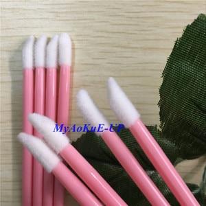 Image 2 - الجملة 500 قطعة 10 ألوان أحمر الشفاه لمعان فرشاة شفاه تستخدم مرة واحدة القلم الصولجانات قضيب فرشاة أدوات ماكياج الجمال المهنية