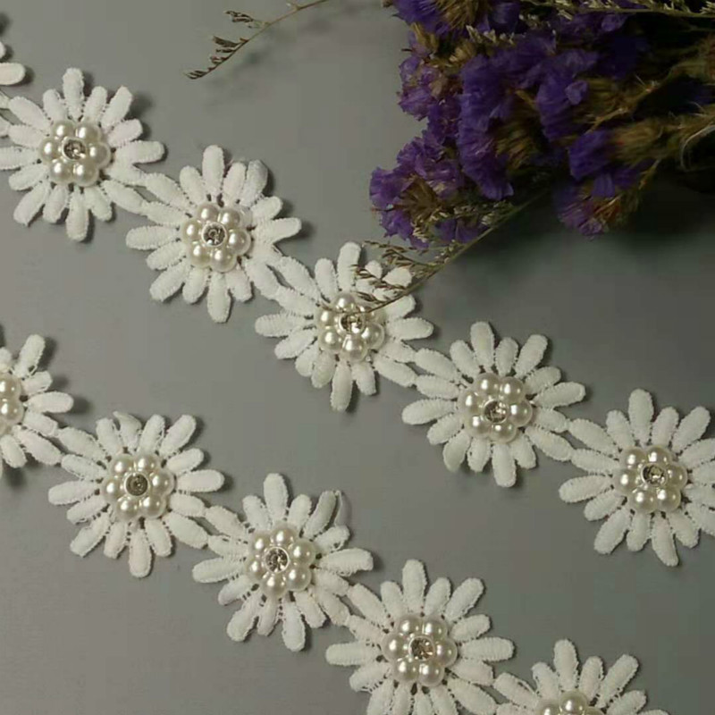 e50a3e143272 1 yarda Vintage gran flor bordado de cinta de encaje apliques tela hecha a  mano DIY coser ropa de encaje Decoración