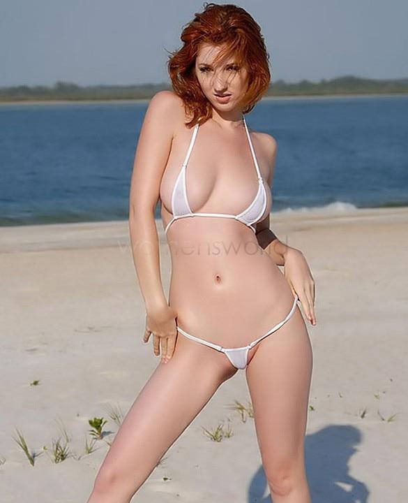 Hot moms in bikini pics
