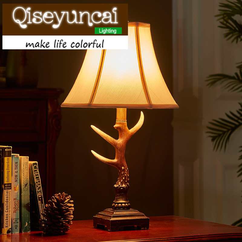 Qiseyuncai American country elk resin table lamp retro new classical simple creativity cozy bedroom bedside lamp