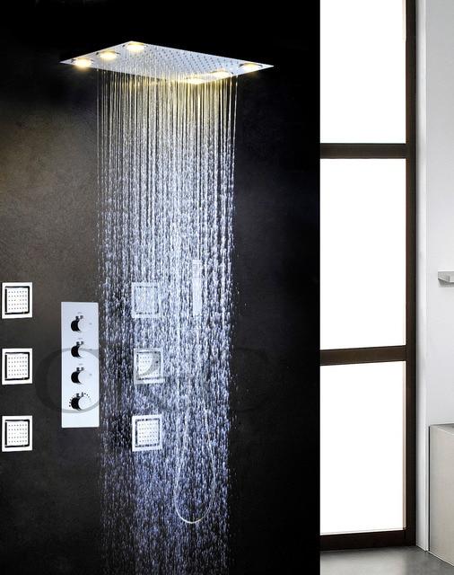 Gran flujo de agua de lluvia en el cuarto de baño ducha LED grifo ...