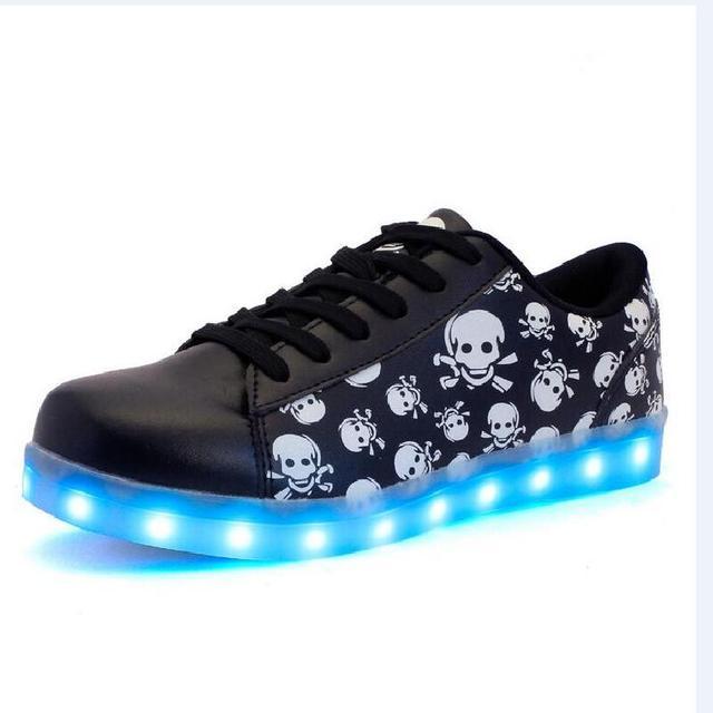 9928708a6d0 Schedel print kids LED schoenen jongens meisjes kleurrijke LED lichtgevende schoenen  kinderen outdoor sportschoenen kids USB