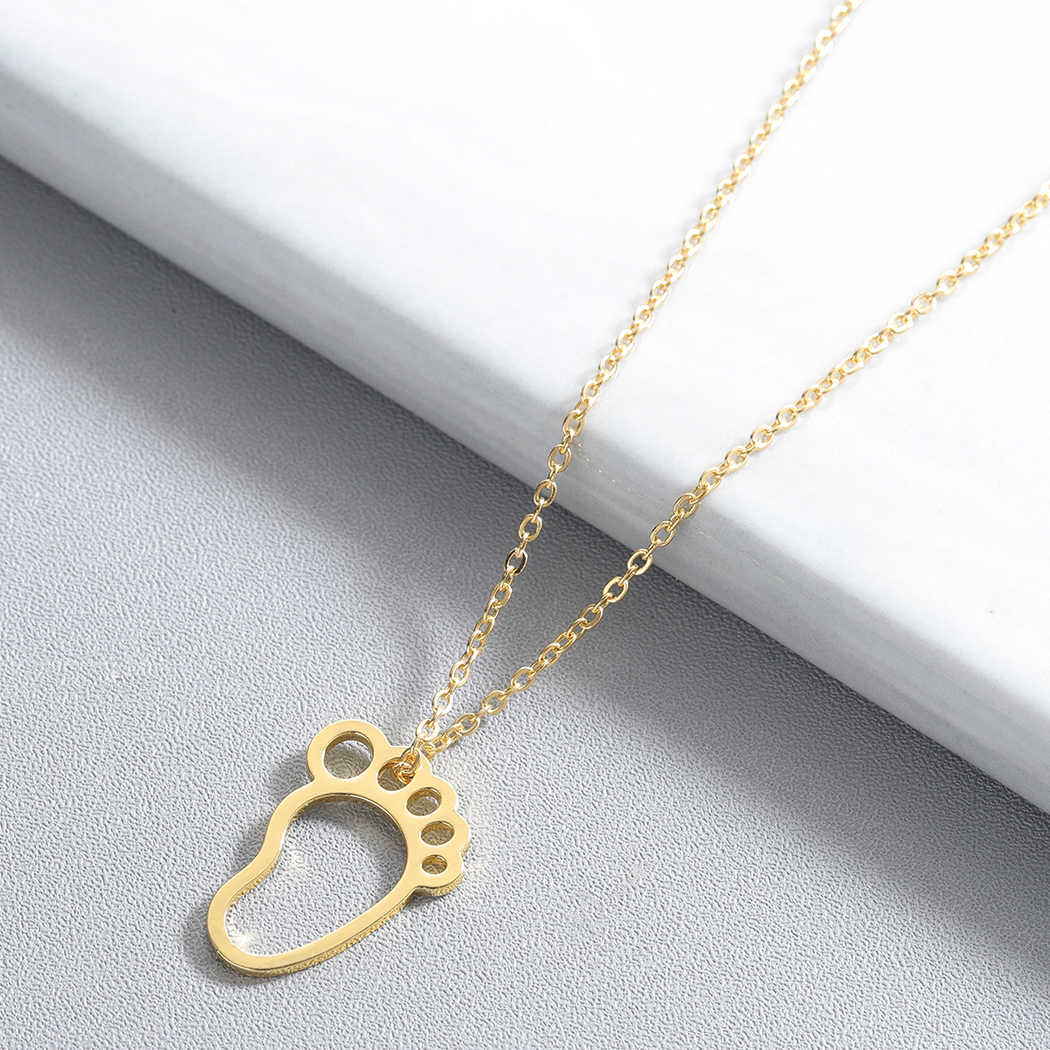 Cute Baby Feet Boho Necklace Baby Shower Gift Mom Fashion Gold Jewelry Accessories Silver Chain Lovely Pendant Brand Necklace