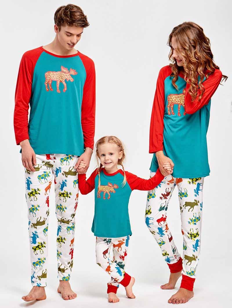 Dad Women Baby Kids Elk Sleepwear Cartoon Nightwear Autumn Winter Family  Matching Christmas Pajamas Set Family Matching Clothes 66c0726a1