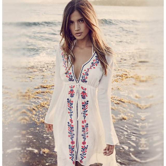 7c68dfb5fb Women Sexy Floral Embroidery Crochet Tunic Beach Cover Up Saida de Praia  Swimwear Bikini Beach Dress Bathing Suit Robe De Plage