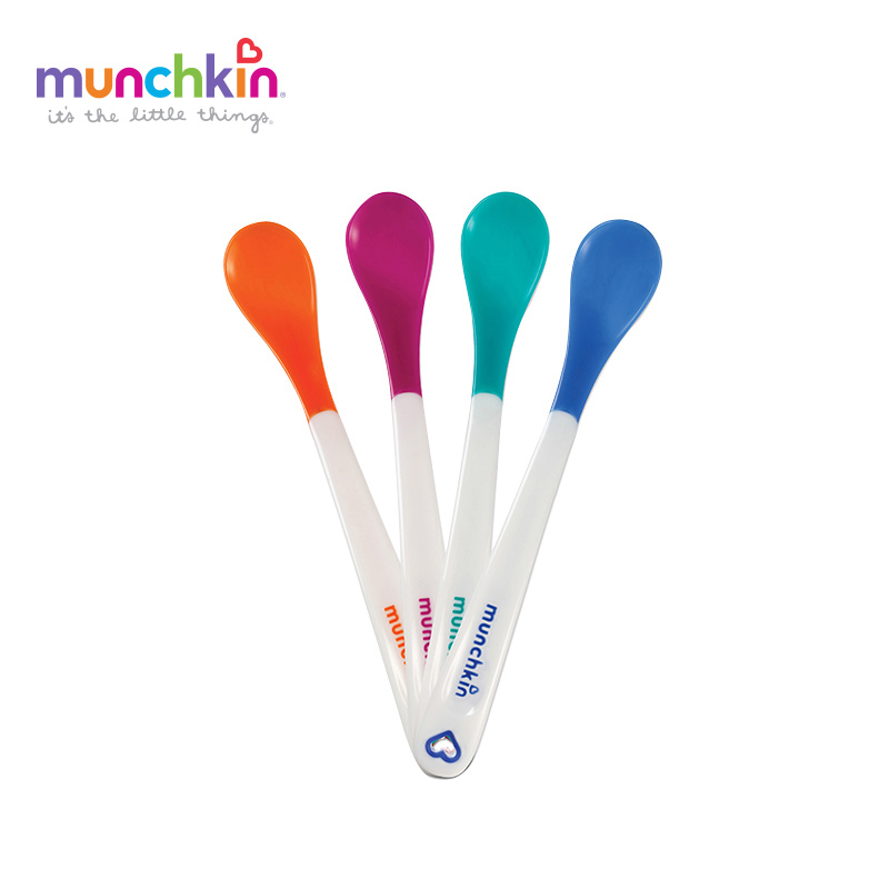 Munchkin White Hot Infant Safety Spoons 4 Count Baby Safety Temperature Sensing Silicon Spoon Kids солнцезащитные шторки munchkin white hot static cling 2 шт