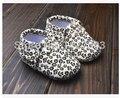 Mocasines bebé al por menor primeros caminante, zapatos de bebé de cuero, diseño de lunares de leopardo zapatos del niño del bebé, el diseño de la franja, tamaño 11-13 cm