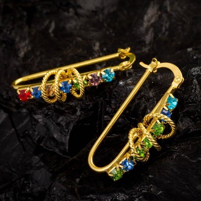 Nuevo estilo de pendientes de aro de Oro Multicolor Lleno zirconia pendientes de cristal para las mujeres