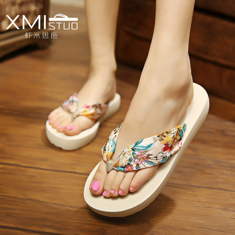 Summer New Bohemia Satin Slope Heel Beach Female Flip Flops Women Slippers цена 2017