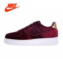 dc7a1946e4937 Nova Chegada Original Autêntico Nike AIR FORCE 1 AF Mulheres Skate Sapatos  de VELUDO Vinho De