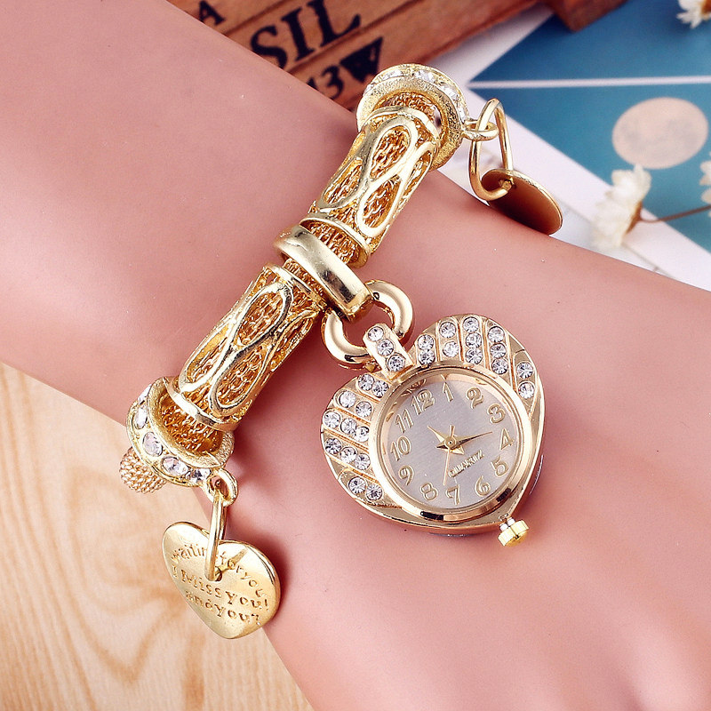 2017 New Design Foreign Hot Sale Gold Silver Alloy Women Watch Fashion Crystal Heart Pendant Mesh Belt Metal Watch Bracelets hot sale hot sale car seat belts certificate of design patent seat belt for pregnant women care belly belt drive maternity saf