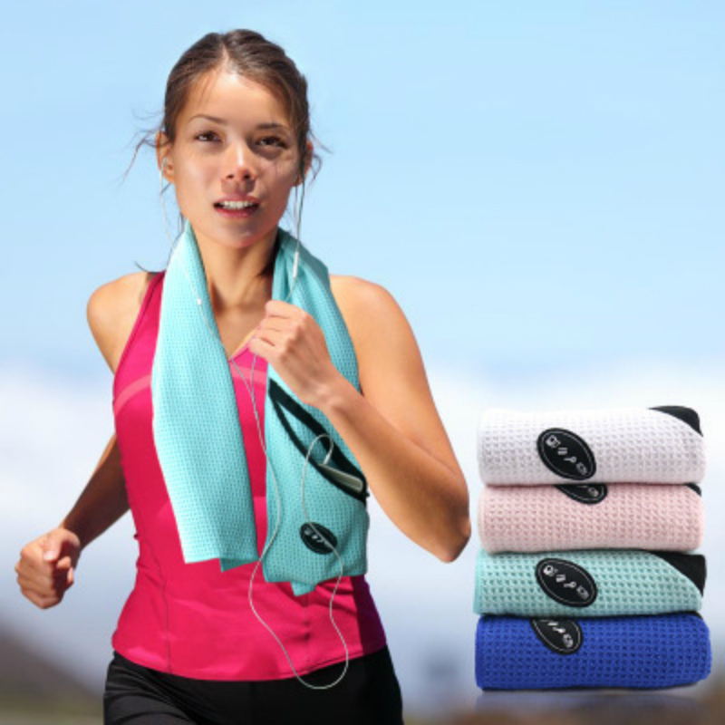 Exercise Towel With Pocket: Microfiber Sports Exercise Sweat Summer Towel Quick Dry