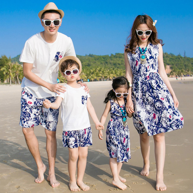 Mother Daughter Dresses Family Matching Outfits 2017 Summer Family Clothing Father Son T-Shirt Pants Cotton Printing Family Look