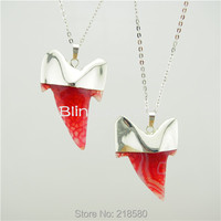 H QN225 Pink Shark Teeth Charm Pendant Necklace With Silver Plated Chain