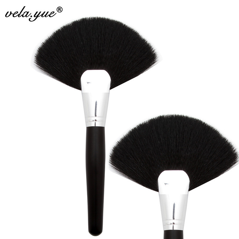 Professional Powder Brush Soft Dense Goat Hair Large Fan Brush High Quality Face Makeup Tool пуходерка furminator slicker brush large soft большая мягкая двухсторонняя зубцы 15мм