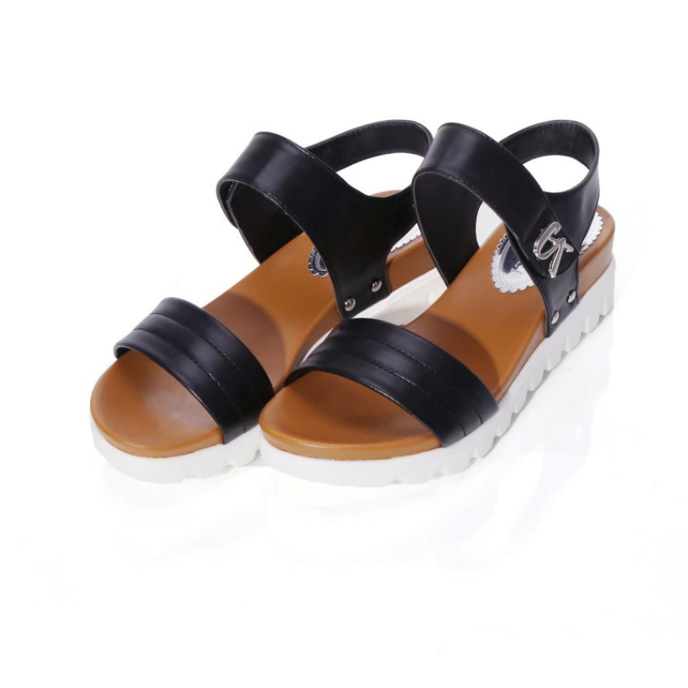 2018 Summer Gladiator Sandals Women Aged Leather Flat Fashion Women Shoes Casual Occasions Comfortable The Female Sandals 0427 new arrival top quality aged leather women sandals fashion summer gladiator dress shoes women roman open toe flat casual shoes