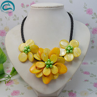 Unique Pearls jewellery Store Perfect Women Gift Freshwater Pearl Handmade Mother Of Shell Flower Necklace With Woven Leather