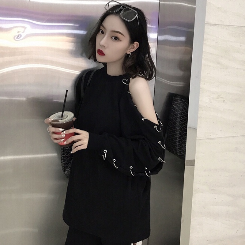 Korean Harajuku Women Long Sleeve T Shirt 2018 Spring BF Chic Style Black Top Off Shoulder With Hole Ring Sexy Casual T-Shirt sexy slim t shirt women off shoulder cropped top harajuku flower print shirt top bandage long sleeve tee flare sleeve t shirt