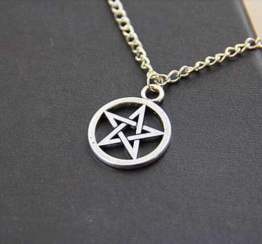 Moda Black Butler Colar Pentagrama Sobrenatural Pentagrama Pingente Logotipo Satanás Lucifer Sinal Prata Jóias Para Mulheres Dos Homens