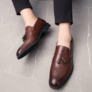 Image 5 - Hommes gland chaussures mode décontracté sans lacet clouté Rivet mocassins robe mâle richelieu fête désherbage décontracté grande taille 48 L4