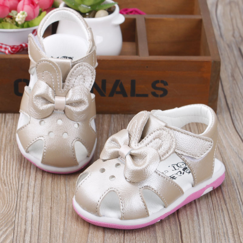 Baby Girls Sandals Beautiful Flower Glowing Toe-cap Shoes for child Soft Bottom Newborn Toddler golden Leather summer Shoes