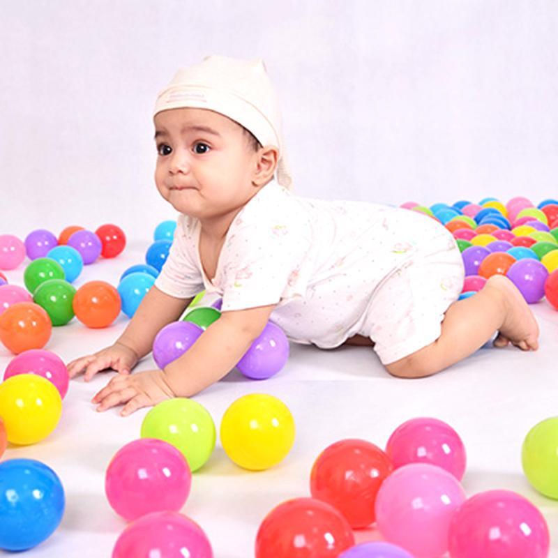 100 piezas no-tóxicos piscina Bola de plástico suave bola del océano bebé chico nadar pozo juguete de agua la onda del océano Ballenbak Dia 5,5 cm